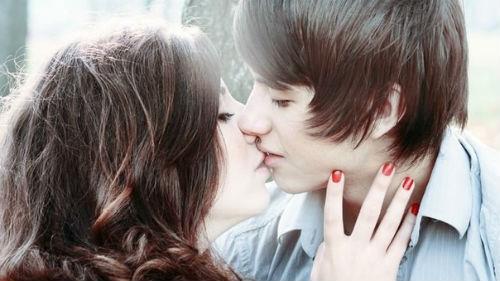 поцелуй с другой девушкой