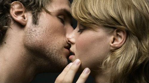 к чему снится поцелуй с незнакомкой