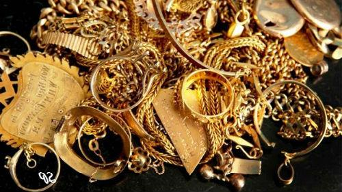 золото украшения много