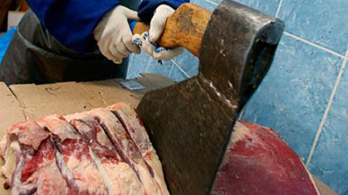 К чему снится рубить мясо топором фото