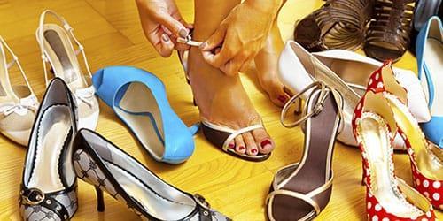 мерить много обуви