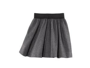 Темная юбка - воспоминание о прошлом человека