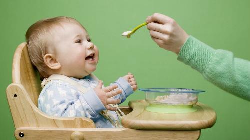 кормить ребенка во сне