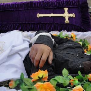 К чему снится живой дедушка в гробу фото