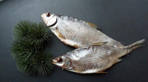 кушать сушенную рыбу