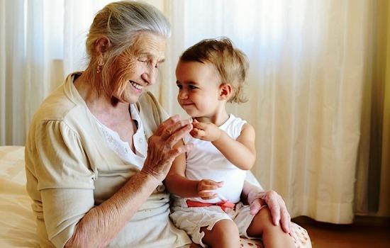 К чему снится что родилась внучка фото