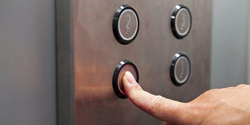 к чему снится подниматься на лифте вверх