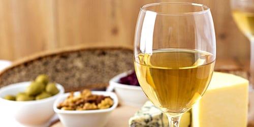 стакан белого вина