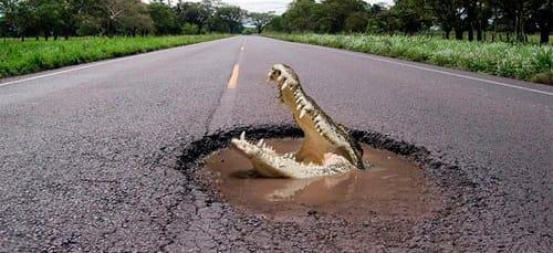 К чему снится машина упала в яму фото