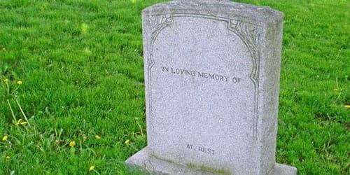 к чему снится могила живого человека