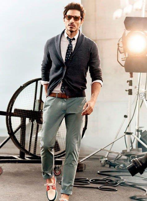 Мужчина в стиле Бохо - галстук, кардиган и стильная обувь