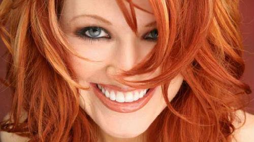 крашеные рыжие волосы