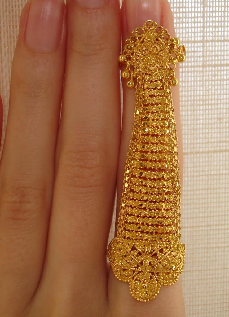 Индийским женщинам снятся вот такие золотые кольца