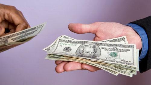 возвращать доллары