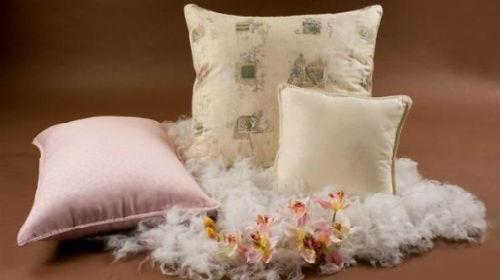 подушка с перьями