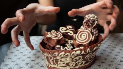 к чему снятся шоколадные конфеты много