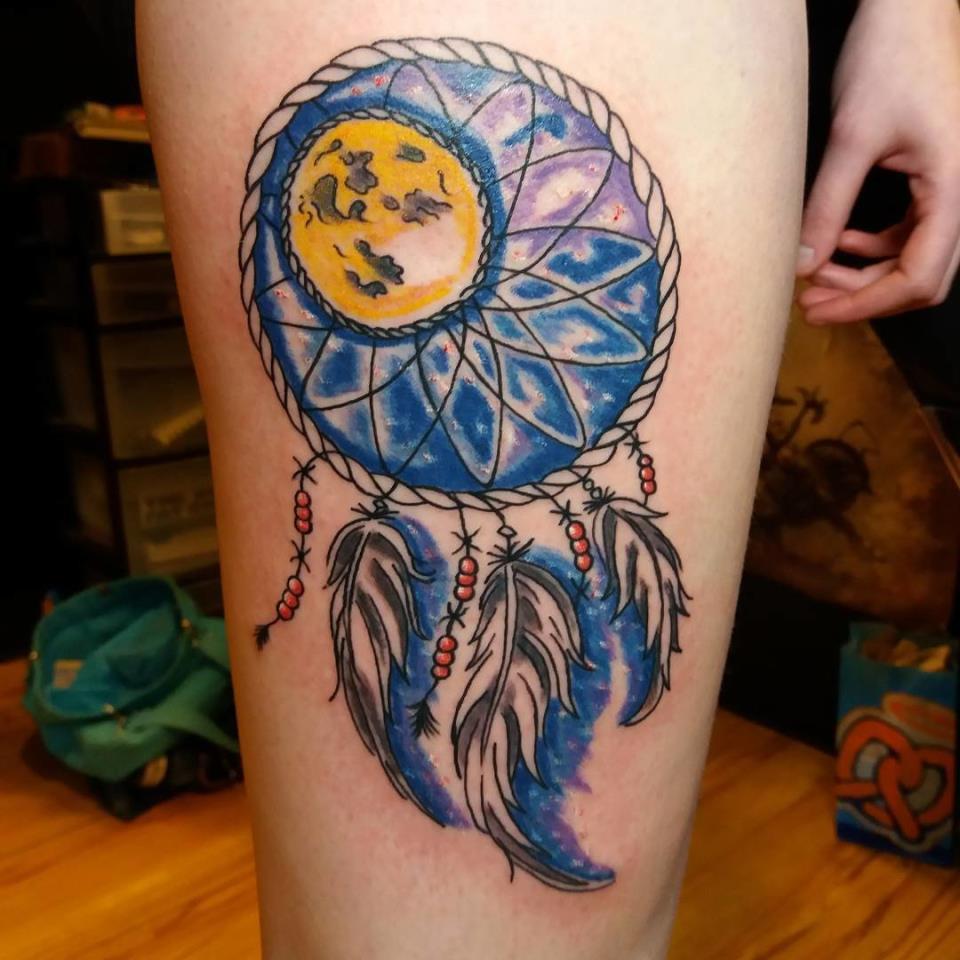 синяя татуировка значение
