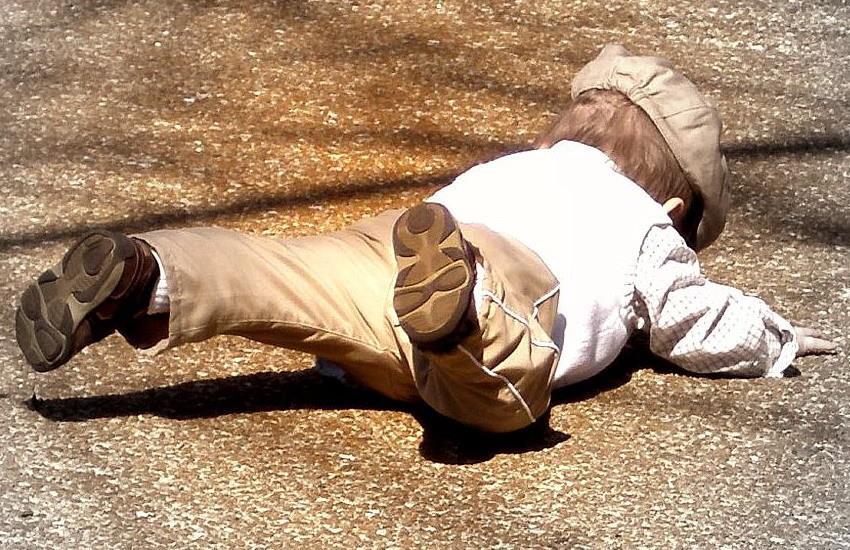К чему снится ребенок упал с крыши фото