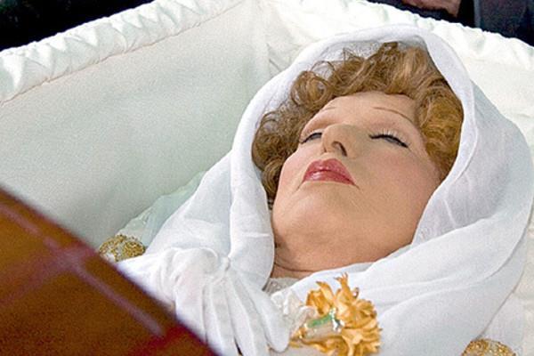 Сонник покойник зовет, к чему снится покойник зовет во сне видеть 💤 узнайте что значит, если покойник зовет приснился — ✅ толкование снов бесплатно.