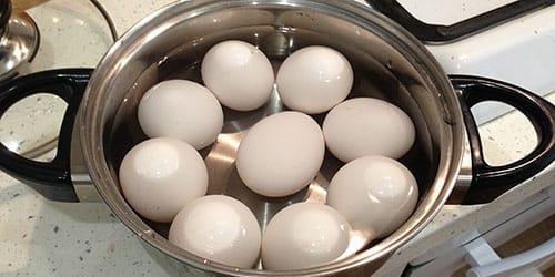 варить яйца во сне