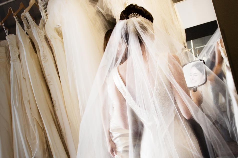 К чему снится свадебное платье в крови фото