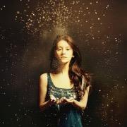 Девушка и золотой дождь