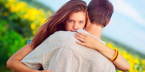 Сниться бывший целует другую фото