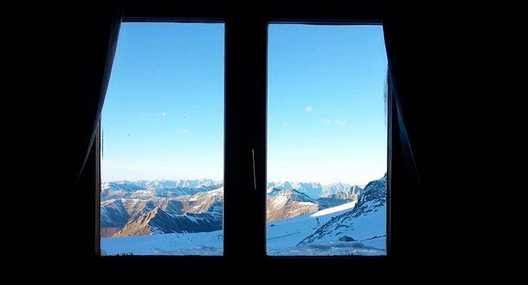Приснилась зима за окном