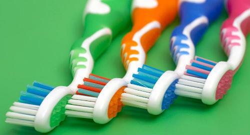 Во сне чищу зубы чужой щеткой