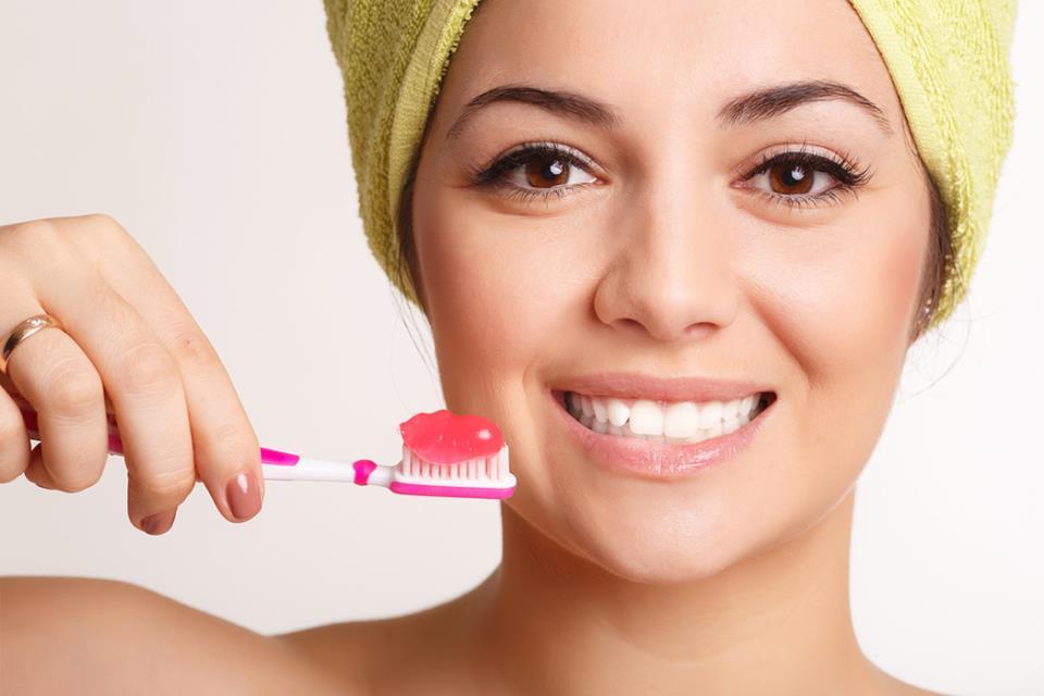 Как выровнять передние зубы?