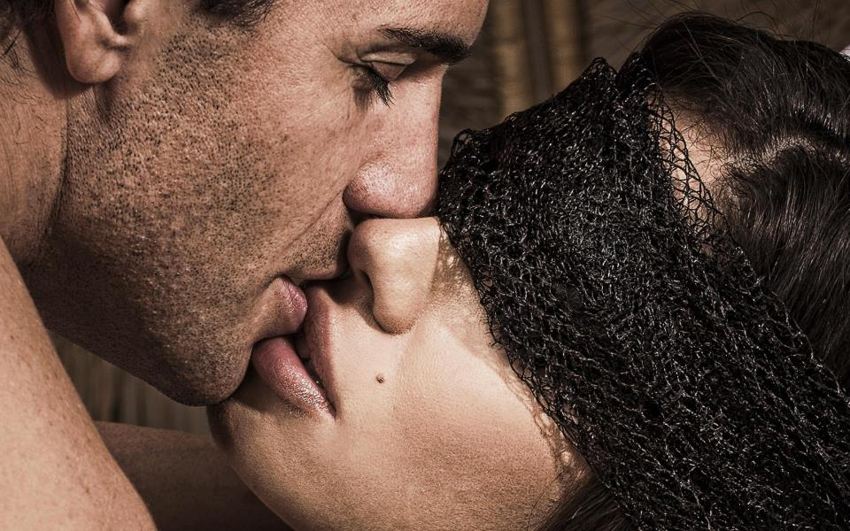 20-сонник поцелуй в губы