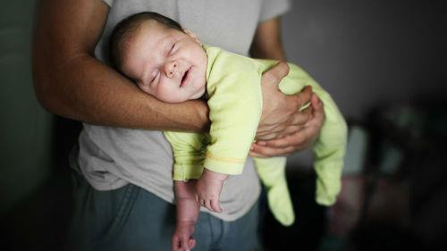 к чему снится мужчина с новорожденным ребенком