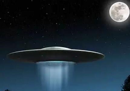 Видеть во сне космический корабль в небе фото