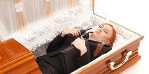 Гроб с живым человеком во сне