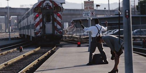 к чему снится опоздать на поезд во сне