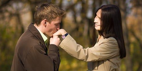 Фото К чему снится муж целует другую девушку