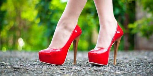 к чему снится стук женских каблуков