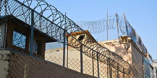 побег из тюрьмы во сне