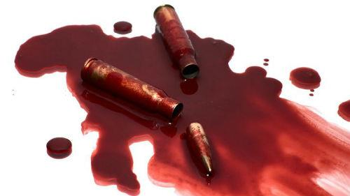 кровь убитого на полу