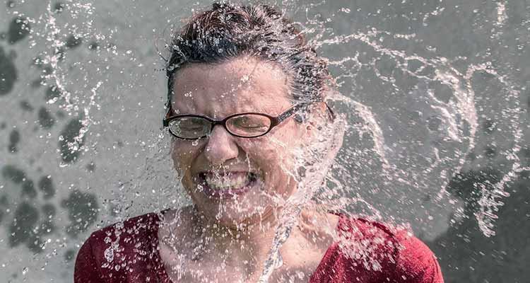 снится вода женщине