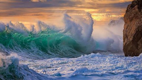 шторм на море волны