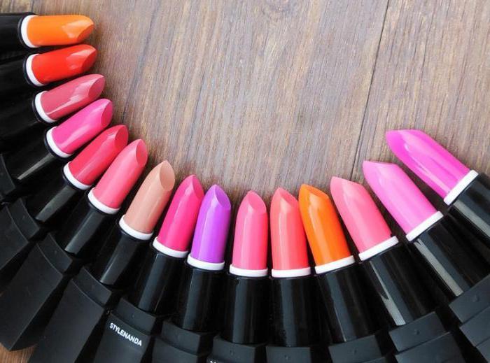 сонник красить губы помадой