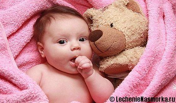 Почему ребенок в 2 месяца храпит во сне