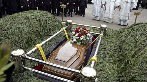 приснилось погребение живого родственника