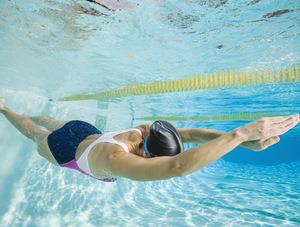 К чему снится упасть в бассейн фото