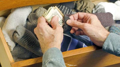 найти спрятанные деньги