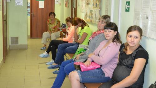 ждать приема у врача