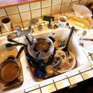 К чему снится убирать посуду со стола фото