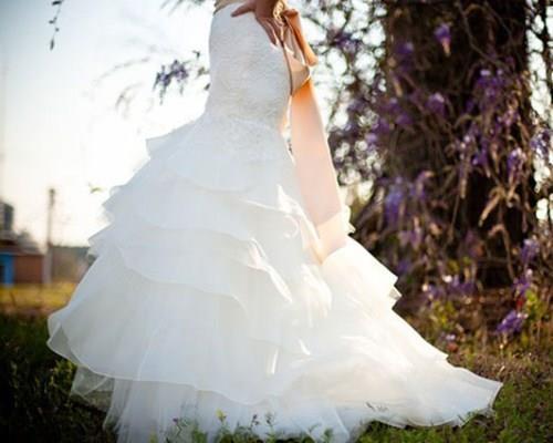 Свадьба с любимым человеком во сне сулит успех и новые перспективы.