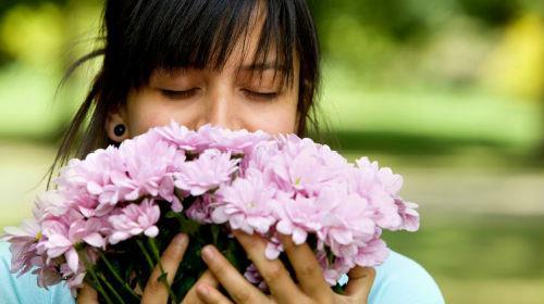 К чему снится запах цветов фото